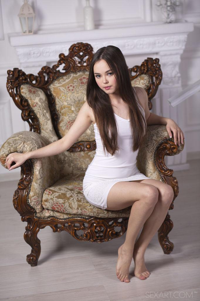Naughty Ukrainian Beauty Li Moon