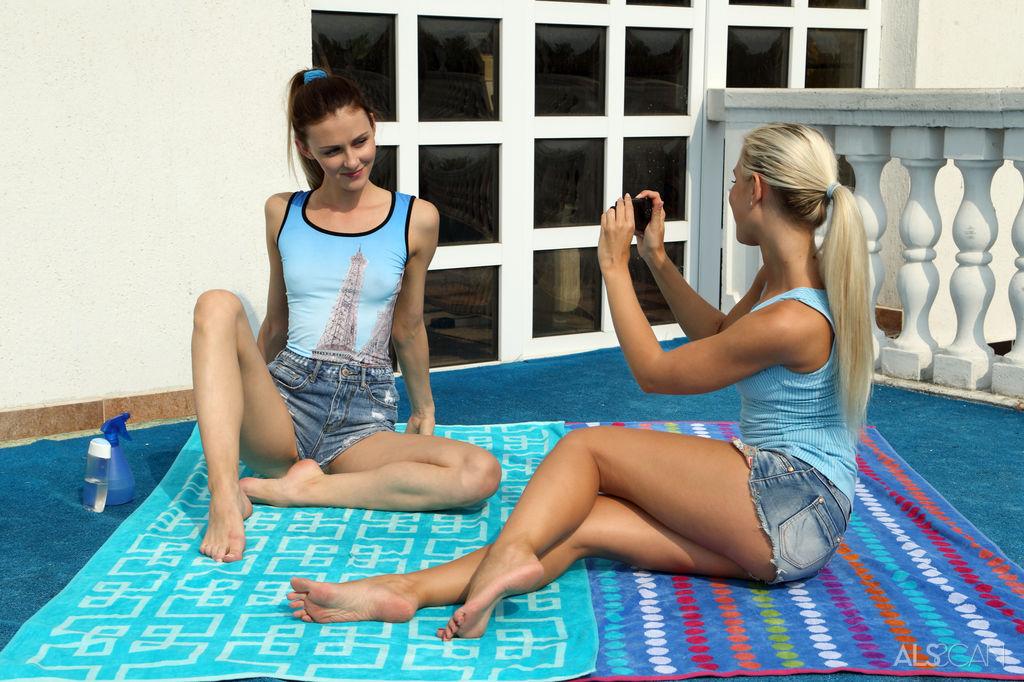 Naughty Lesbian Babes Lola & Kate Sin in Snapshot